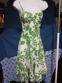 women's green and white floral dress Surrey, V3R 1B6