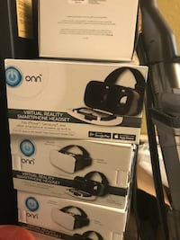 Three onn vr smartphone headset boxes
