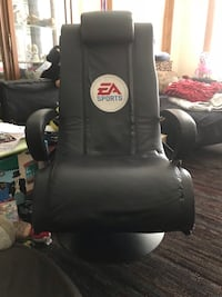 Game Chair with speakers Toronto, M6J 3J1