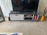 Faux wood 55 in TV stand Euless, 76039