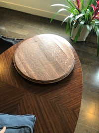 round brown wooden coffee table Alexandria, 22314