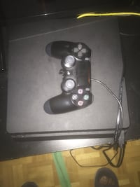Black sony ps4 console with controller 1tb really new  Toronto, M3N 3A4