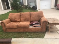 Free couch and coffee table null