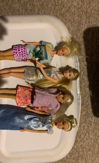 Barbie's and clothes Vaughan, L6A 3T9
