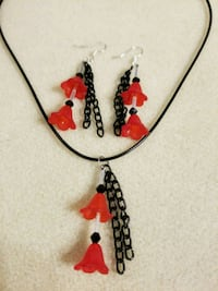 Red trumpet flower n3cklace and earrings Hanover, 21076
