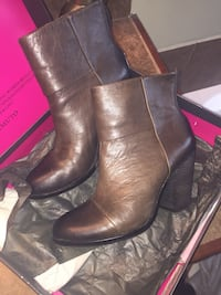 Women's brown Vince camuto boots size 8.5 Youngsville, 70592