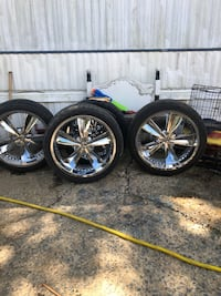 They are 24 universal wheels, 3 tires are with 90% life, one change .. Little Rock, 72209