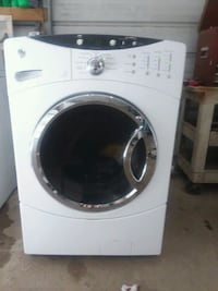 white front-load clothes washer Navarre, 32566