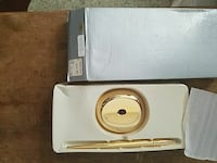 gold pen with stand  Sacramento, 95815