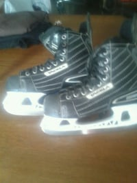 pair of black-and-white ice skates Hamilton, L8M 1M9