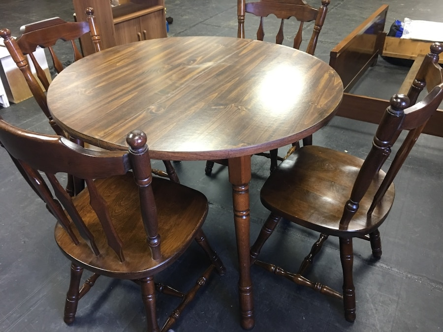 Used Round Dining Table with 4 Chairs in Warrington : bbf085b763f8bb456460858e240b39d2 from us.letgo.com size 900 x 675 jpeg 140kB