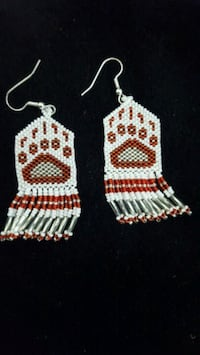 white-and-red hook earrings 1638 mi