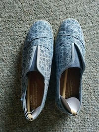 Toms shoes brand new with tags Coquitlam, V3B 4R9