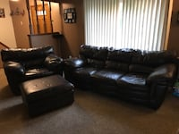 Leather couch, oversized chair and ottoman Mentor, 44060