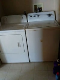 white washer and dryer set Youngstown, 44509