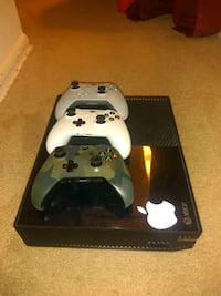 white Xbox One console with controller Washington, 20005