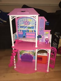 Barbie dream house comes with furniture