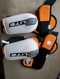 Mens cleansport nxt elbow pads  Barrie, L4M 6Z9