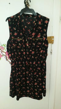 black and red floral sleeveless dress Montréal, H3N 2V2