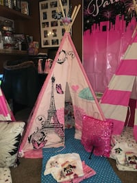 Paris themed Teepee Columbia