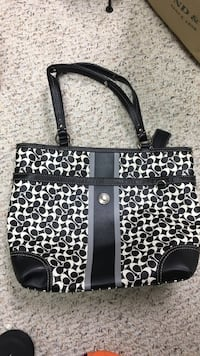 Coach Bag in excellent condition Burke, 22015