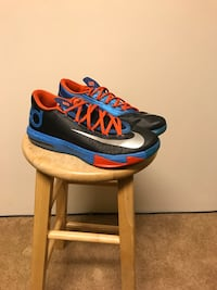 KD 6 size 8  Maple Ridge, V2X 9V3