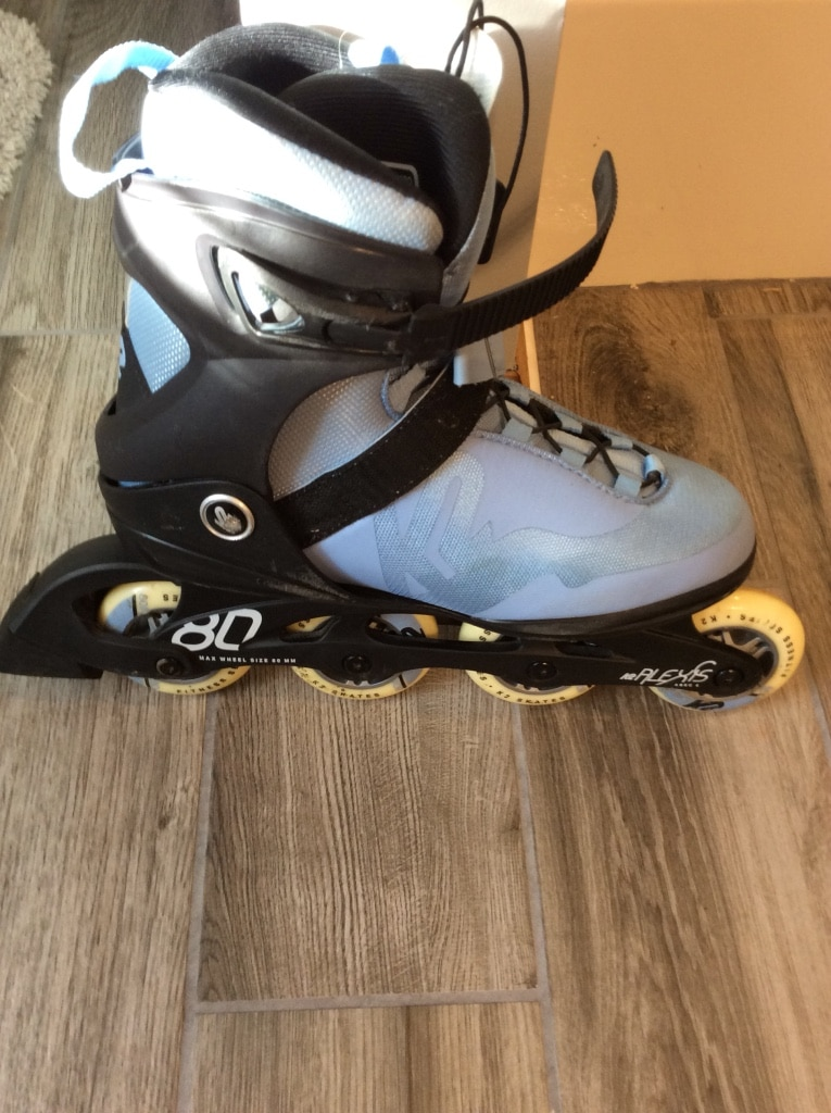 Photo Baby Blue womans roller blades! Size 9Only worn 3 times!