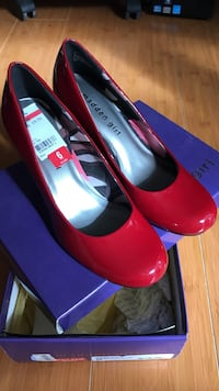 New Pair of red madden girl leather pumps Concord, 94521