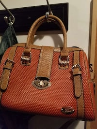 red and brown leather tote bag Brantford, N3T 5L4