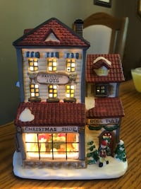 CHRISTMAS VILLAGE LIGHT UP HOUSE North Dumfries, N0B