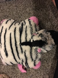 Zebra pillow pet pee wee Virginia Beach, 23454