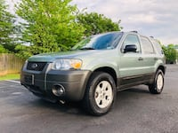 Ford - Escape - 2005 Leesburg