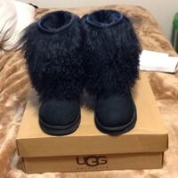 pair of black UGG boots with box Newmarket, L3X 1W3