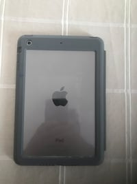 Black ipad with black case Ottawa, K2E 7L7
