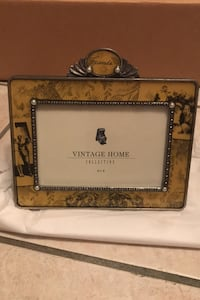 6x4 Friends picture frame by Vintage Home.  Item is new. Hatboro, 19040