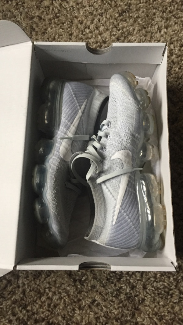 012ae6d6785b16 Used Nike VaporMax Flynit for sale in Fort Wayne - letgo