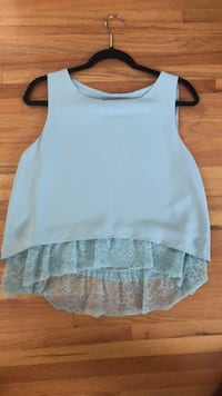 Women's Zara top with lace detail  Coquitlam, V3J 3P8
