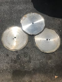 two stainless steel cooking pots Orchard Hills, 21742