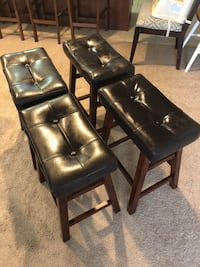 4 Bar or breakfast table Stools, excellent condition, modern,elegant( 2 feet high) Falls Church, 22041