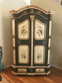 French Country Style Hutch or Entertainment Center Decatur, 30030