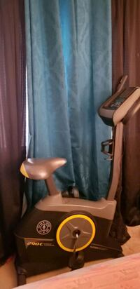 black and brown leather padded chair Oxon Hill, 20745