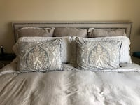 Pottery Barn Set - Duvet Cover and Shams Irvine