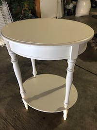 White wooden oval table Las Vegas, 89108