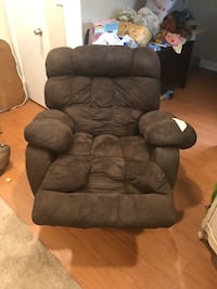 Dark Brown Recliner Norfolk, 23513