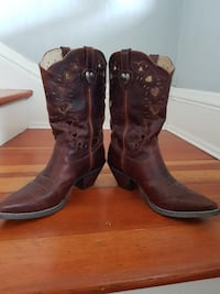 Womens size 10 worn 2 hrs for wedding Brant, N3T