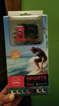 black and red Sports action camera with box Montréal, H2V 3S1