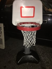 Adjustable basketball hoop LNEW only 20 Firm