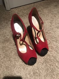 Marc Fisher Red Suede T Strap Peep Toe Shoes Size 9M  New Albany, 43054