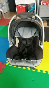 Coquille baby car seat marque Baby Trend