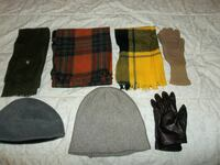 Assorted gloves, scarves & beanies